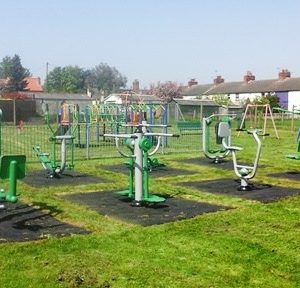 BARNSTONE-OUTDOOR-GYM-2