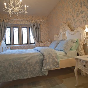 ManorCourtBedroomWhite