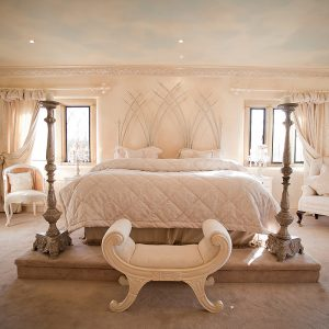 ManorCourtBedroomwhite1
